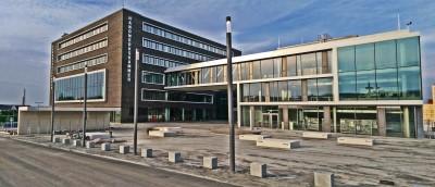 Schul- und Lehrgebäude